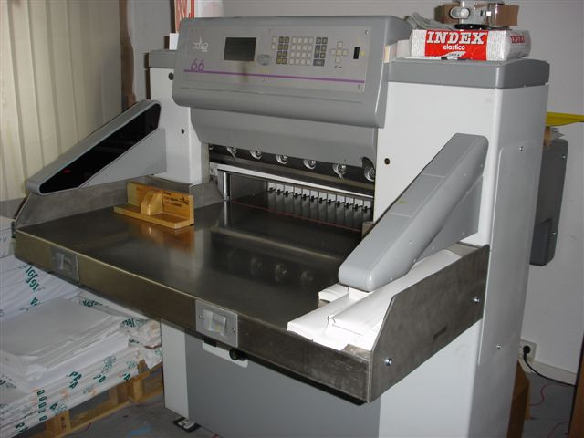 Image of used Polar 66 E guillotine
