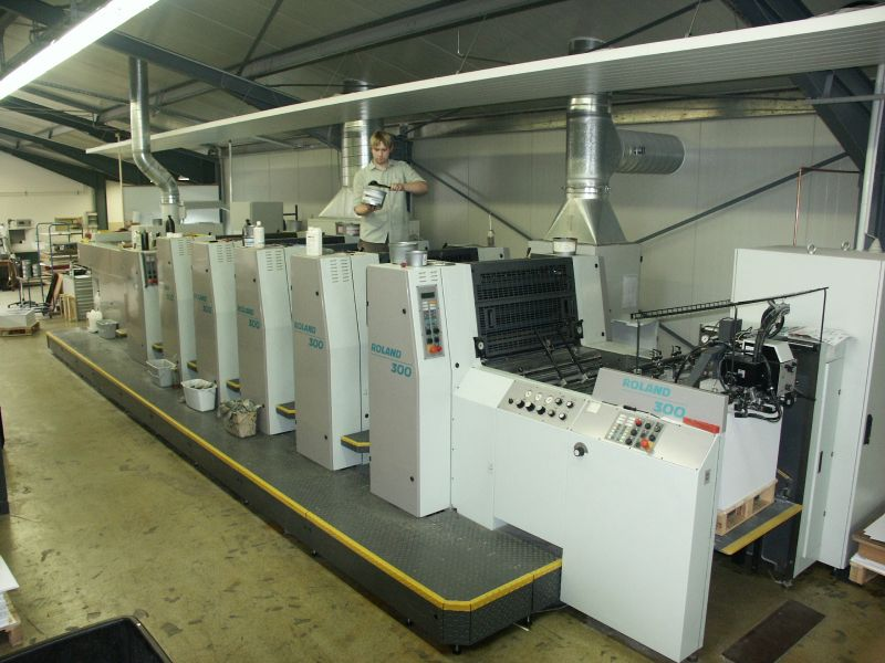 Image of Used Roland 305 HOB+L Five Colour Printing Press With Coating Unit For Sale