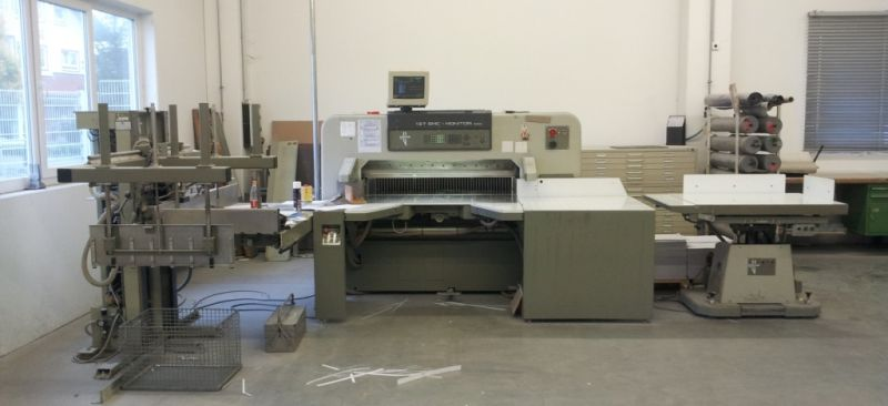 Image of used Polar 137 EMC-MON Autotrim guillotine