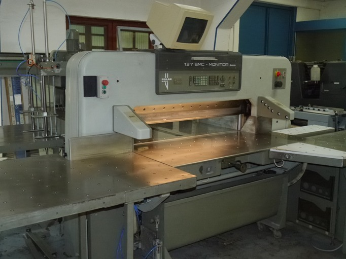Image of Used Polar 137 EMC-MON Autotrim Guillotine Cutting Line For Sale