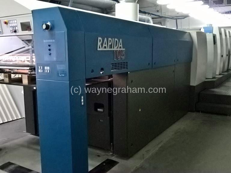 Foto von Gebrauchte KBA Rapida 105-4 + L Vier Farben-Druckmaschine mit Lackierwerk